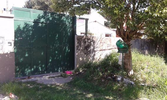 Ideal Oportunidad, Casa A Remodelar Con Muy Amplio Galpon!