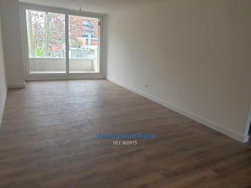 Apartamento Malvín Alquiler 2 Dorm Terraza Parrillero 2 Bañ