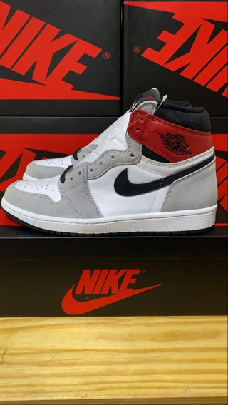 Air Jordan 1 High Smoke Grey