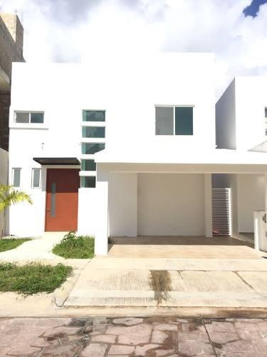 Hermosa Casa En Residencial Exclusivo   Alberca Propia