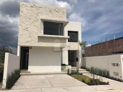 Casa En Venta En Juriquilla, Queretaro, Cumbres Del Lago
