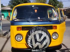 Volkswagen Kombi Kleinbus