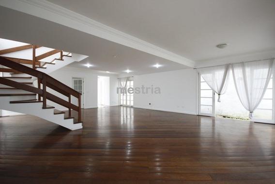 Ampla Casa Em Condomínio Fechado,com Jardim Em Excelente Localização Na Região Do Campo Belo. - Di8496