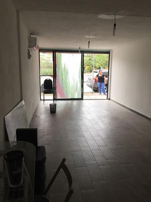 Se Renta Local Comercial Muy Cerca De La Gran Plaza