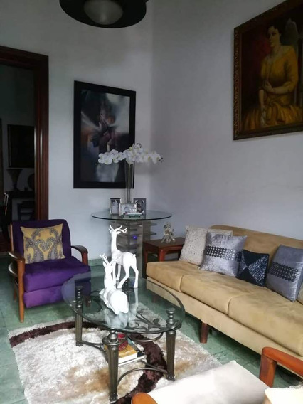 Vendo Casa Zona Colonial Republica Dominicana 809-791-9442