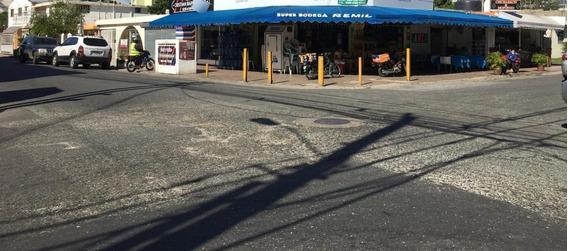 Local Comercial En Venta 507m2 En Quisqueya C/divisiones En Cinco A Pie De Calle