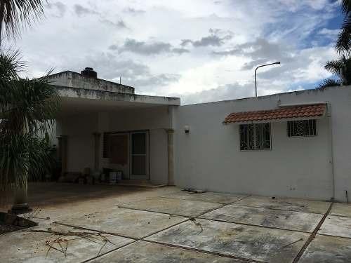 Cerca De La Macroplaza, Santa Maria, Casa Grande En Esquina Para Remodelar