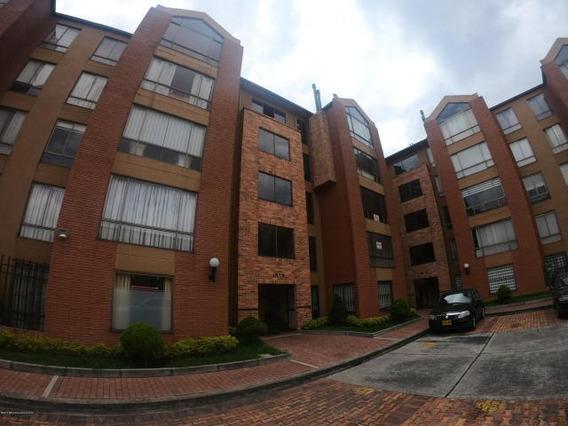 Apartamento En Venta Colina Campestre Mls 19-807 Rbl