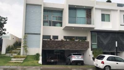 Casa En Venta En Puerta Las Lomas Zapopan