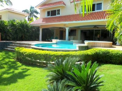 Villa En Venta En Metro Country Club