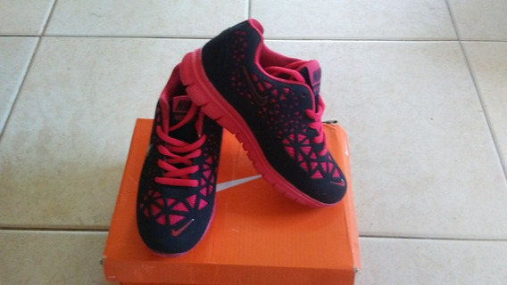 Zapatos Nike Niño. Talla 31 Nuevos!!!