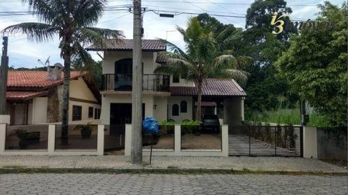 Imagem 1 de 13 de Casa A Venda Com 3 Dormitórios,( 160 M²) - Morrinhos - Bombinhas/sc - Ca0335