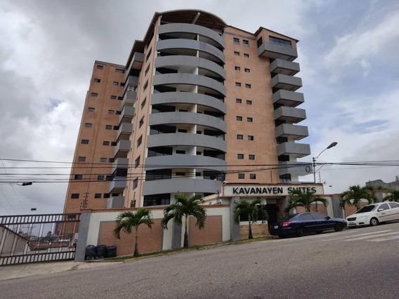 Alquiler Apartamento En Kavanayen Suites. Las Acacias