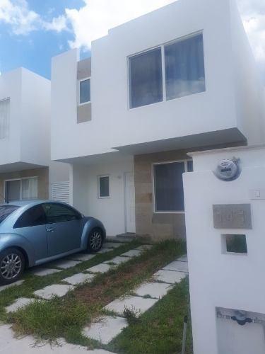 Casa En Renta, Av De La Paz 201, Coto Barlovento, Rancho Santa Mónica, Aguascalientes, Rcr 336094