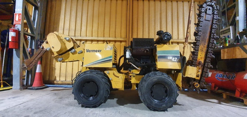 Trencher Zanjeadora Con Plow Vermeer Lm42