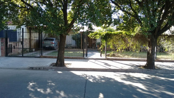 Alquilo Amplia Casa 3 Dormitorios ( B° Parque Capital )