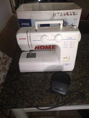 Imagem 1 de 1 de Máquina De Costura Janome 220w