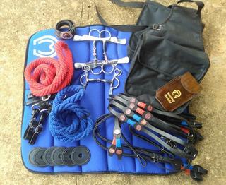 Kit Completo Com Vários Acessórios Para Montaria Cavalgada
