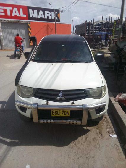 Camioneta Mitsubishi 4x4 L200 Turbo Interculer