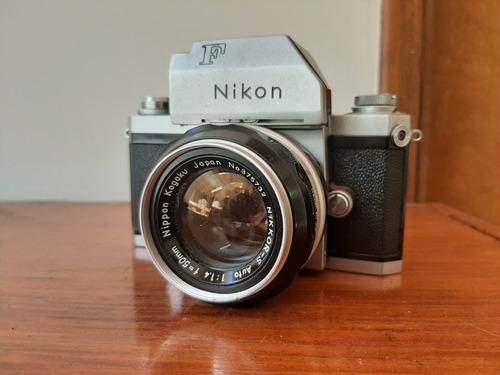 Câmera Nikon F Com Lente 1.4