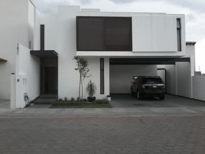 Vendo Casa En Pedregal De Vista Hermosa, Querétaro, 3 Nivele