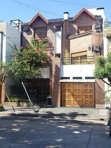 Venta Barrio Naon Chalet De 5 Amb. C/cochera.