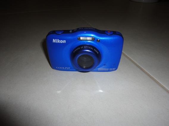 Câmera Fotográfica Digital Nikon Coolpix S32 - Estragada