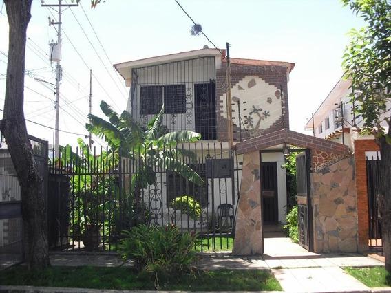 Bella Casa En Venta En Barquisimeto #20-246