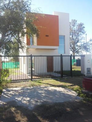 Duplex Barrio El Roble Del Bell City Bell