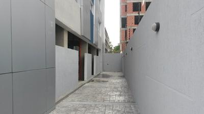 Edificio En Venta Las Mercedes Caracas