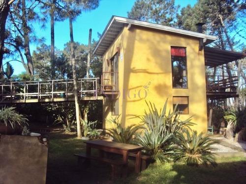 Casa En Renta En Montoya, Con Mucha Vegetación.- Ref: 215