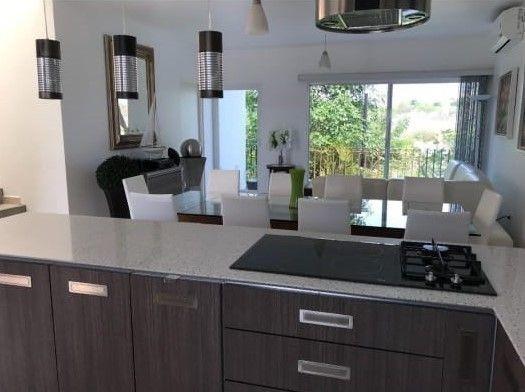 Zv1302.30-fina Residencia En Enclave Condominal, Club De Golf Vista Santa Fe.
