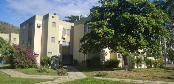 Apartamento En Venta En Bahia De Cata 04124230660