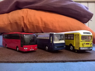 Miniaturas Ônibus Commercials, O303 E Travego