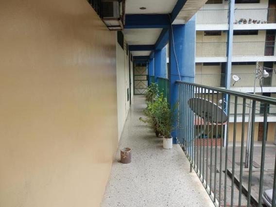 Apartamento En Venta Barquisimeto Edo Lara, Al 20-1441