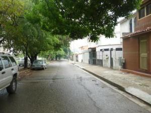 Casa En Venta El Bosque Valencia Carabobo 20-8388 Rahv