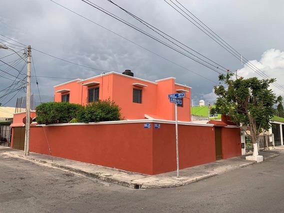 Casa En Esquina Av. Merida 2000