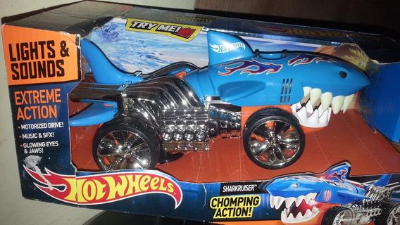 Carro Hot Wheells Luces Y Sonido -extreme Action Sharkcruise