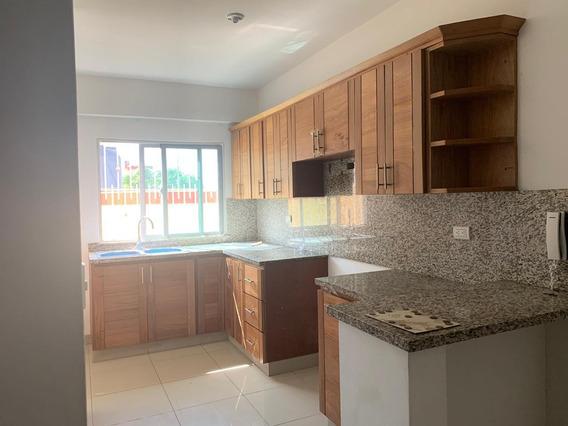 Alquiler Apartamento Av. Independencia Sin Amueblar 3 Habs