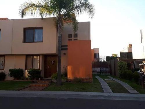 Se Vende Hermosa Casa En Puerta Real, 3 Recamaras, Jardín, Alberca Y Palapa..