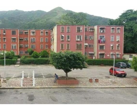 Apartamento En El Consejo Urb. Las Luisas 20-18448 Hjl
