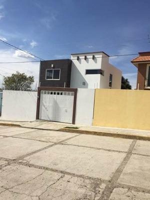 ¡¡ Estrena Hermosa Casa De Dos Niveles En Granjas De Guadalupe Apizaco !!