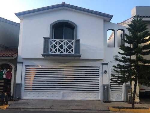 Casa En Renta En Cerradas De Anahuac Sector Premier Escobedo