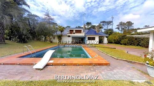 Casa - Playa Mansa- Ref: 344