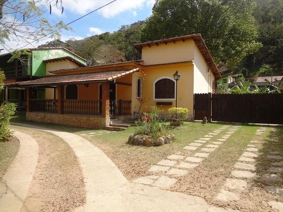 Casa 02 Quartos Em Condomínio Secretário Petrópolis Rj