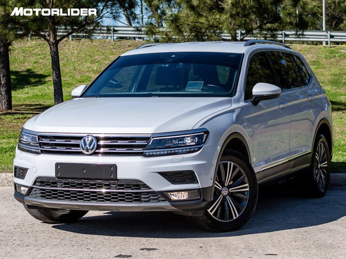 Imagen 1 de 15 de Volkswagen Tiguan Highline Extra Full | Permuta / Financia