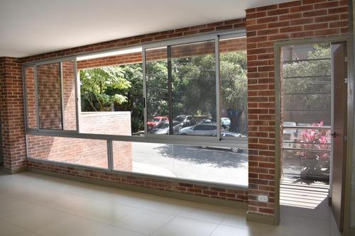 Imagen 1 de 7 de Oficina En Arriendo En Medellin Castropol