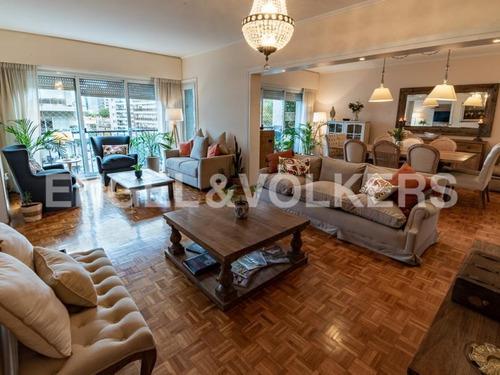Apartamento En Venta En Pocitos, Montevideo