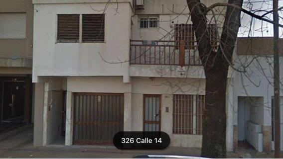 Casa En Alquiler Con 3 Dormitorios Y Cochera