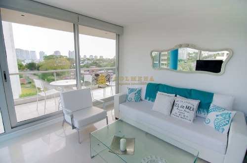 Be Punta - 3 Dormitorios Zona Shopping- Ref: 2717